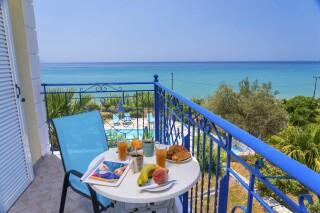 accommodation milos studios balcony