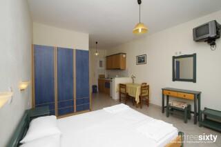 accommodation milos studios bedroom