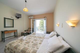 accommodation milos studios cozy room