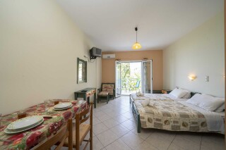 accommodation milos studios room interior