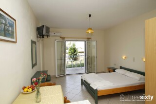 accommodation milos studios room with veranda