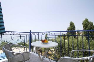 accommodation milos studios sea view
