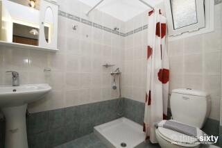 accommodation milos studios shower