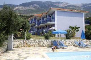 facilities milos studios pool sunbeds
